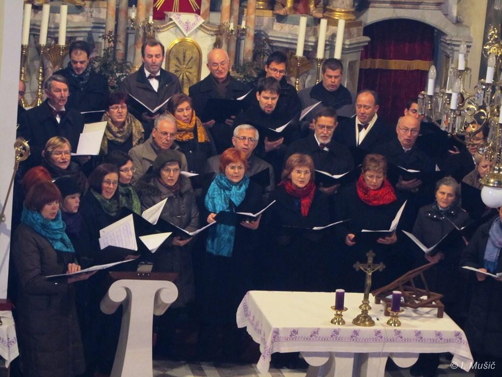 MePZ Svoboda iz Mengša na tradicionalnem božičnem koncertu v Trzinu, 22.12.2012